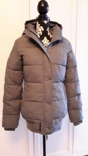 Warme graue Winterjacke von BENCH