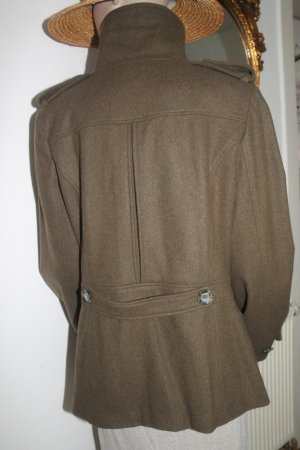 warme Jacke * Herbst * tolle Details * kaum getragen *