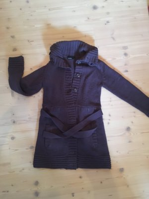 Warme lange Strickjacke lila