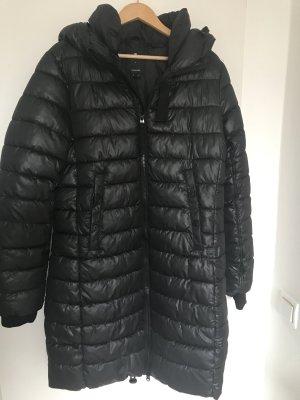 Warme schwarze Jacke