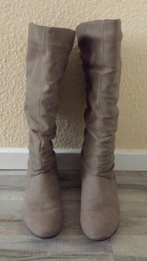 Botas altas marrón claro-crema