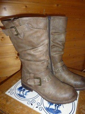 warme Stiefel mit schönen Details