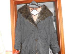 warme Winterjacke von Coats and Jackets
