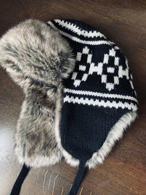 Warme Wintermütze schwarz/weiß und Kunstfell