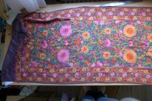 warmen bestickten Schal mit aufwendigen Stickerei
