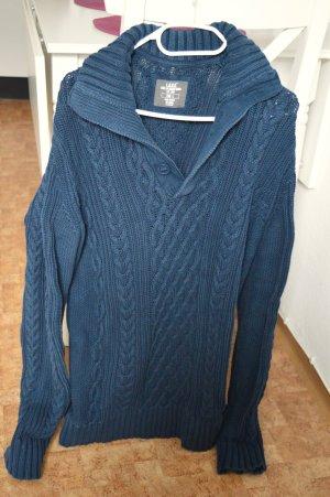 Warmer grün/blauer Pullover