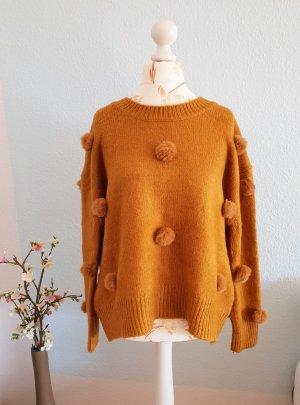 warmer, kuschliger Pulli mit Pompons von Zara