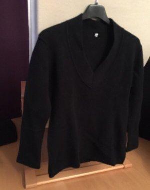 warmer Pulli in schwarz