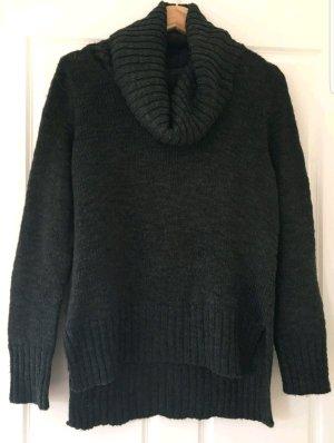 warmer Pullover mit großem Kragen
