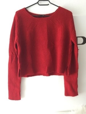 Warmer Roter Pullover