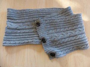 warmer Schal/Schlauchschal mit Knöpfen - weißer Fransenschal