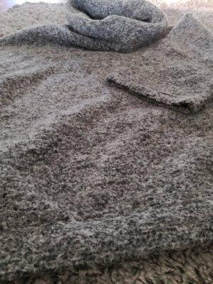 warmer Wollpullover in grau von Mango in Größe S , breiter Kragen, wie neu