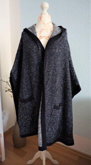 warmes Wollcape mit Kapuze, Strickjacke, overzied von Zara