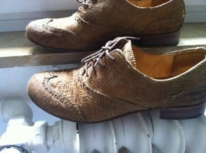 Was Besonderes! Schuhe aus Robbenfell, NP=249€
