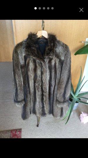 Waschbär-Mantel Größe 42