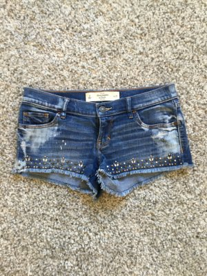 Washed Jeans Shorts mit Nieten