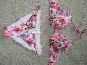 Wattiertes Bügelbikinitop 75D + Bikinihose geblümt