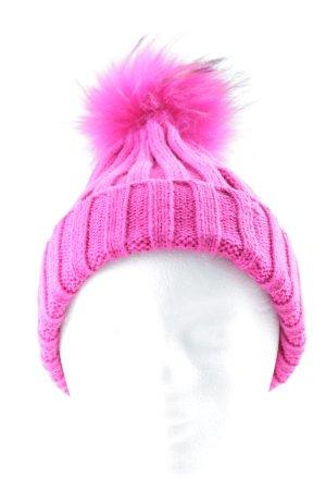 We Love Furs Bontmuts magenta straat-mode uitstraling