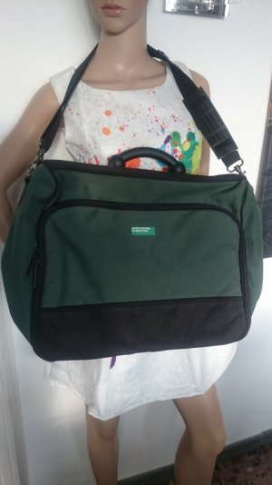 WE-SALE!!! Bei 4 Teilen das Günstigste gratis! Tolle Reisetasche Weekender von Benetton in Grün/Schwarz