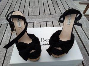 Wedge-Sandale aus Bast und Veloursleder
