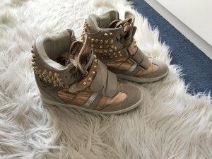 Wedge Sneaker mit Nieten wie neu