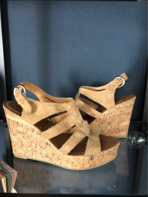 Akira Plateauzool sandalen beige