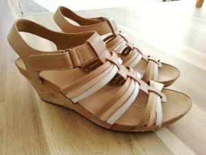 Wedges Clarks Sandalen Sandaletten nude wie neu Echtleder Gr. 43