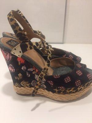 Dolce & Gabbana Plateauzool Sandalen met Hoge Hakken veelkleurig