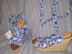 H&M Tacones con cordones blanco-azul