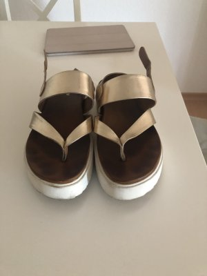 Deichmann High-Heeled Toe-Post Sandals gold-colored