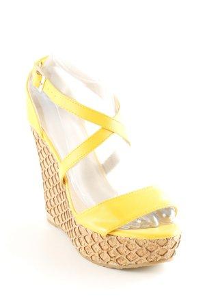 Wedge Sandals beige-gold orange beach look