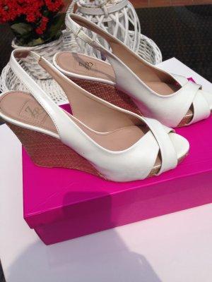 Wedges- Sandaletten von Zara