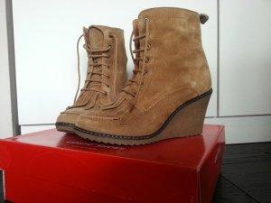 Wedges stiefeletten ankle boots 70s Wildleder fransen keil camel zara blogger
