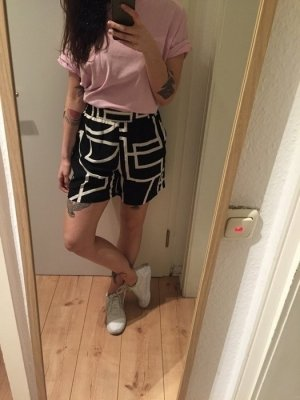 Weekday High Waist kurze Hose mit Muster Shorts
