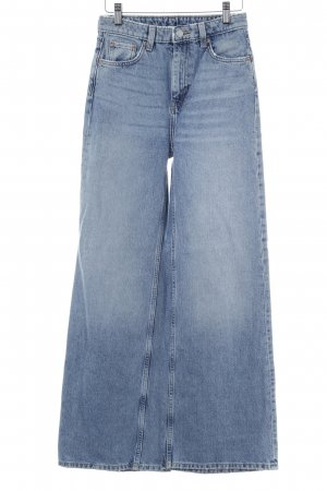Weekday Jeansschlaghose kornblumenblau Jeans-Optik