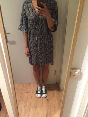 Weekday Kleid Tunika mit Muster neu!
