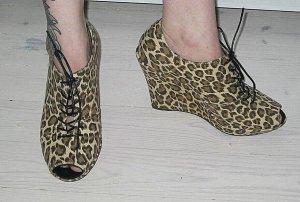 Weekday Schuhe Keilabsatz Canvas leopard Gr. 39 NEU