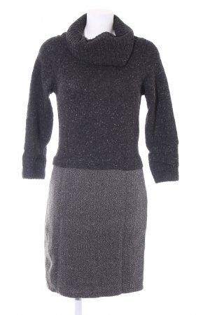 Weekend Max Mara Strickkleid Zackenmuster Casual-Look