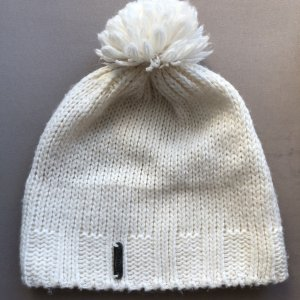 Bobble Hat white mixture fibre