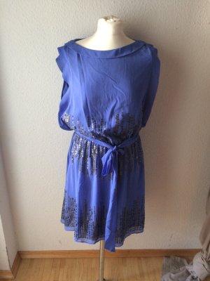 Weich fallendes Sommerkleid aus zartem Chiffon mit silbernen Pailetten  Flieder