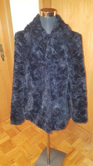 Weiche Fake- Fur Jacke von s.Oliver, Gr. 34 , neuwertig!