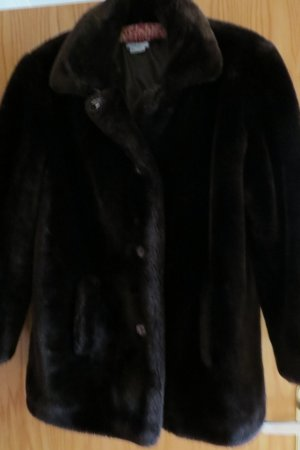 Weiche, kuschelige Pelzimitatjacke, sehr wenig getragen
