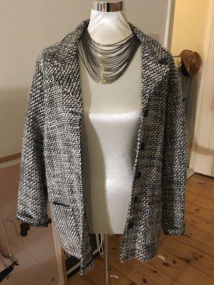 Weiche Oversize-Jacke, schwarzweiß