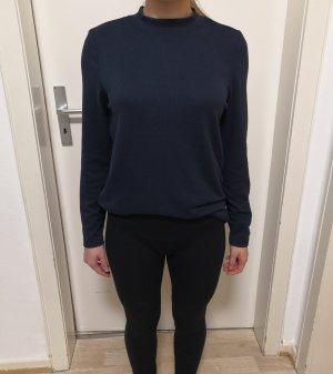 Weicher Dunkelblauer Pullover