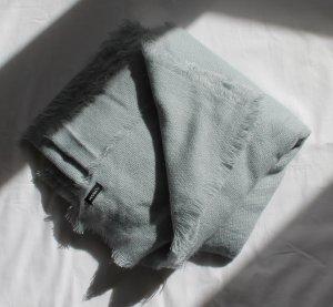 Weicher großer hellblauer Schal von Max&Co.