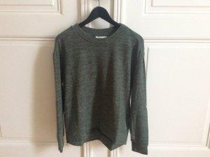 Weicher grünmelierter Pullover