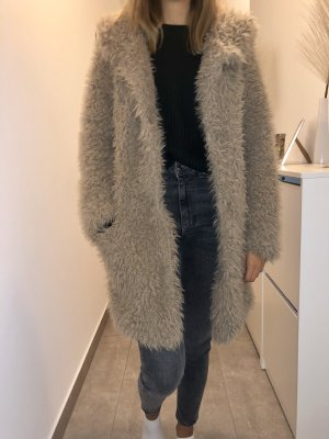 Zara Abrigo de piel sintética beige-marrón claro