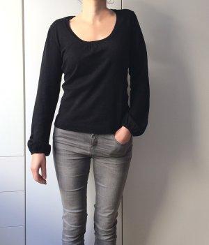 Weicher Pullover / fein und feminin / leicht glockige Ärmel