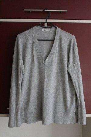 Weicher Pullover mit V-Ausschnitt