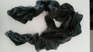 Weicher Schal in dunkelgrau